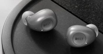 Im Bild die neuen kabellosen Kopfhörer KEF MU 3