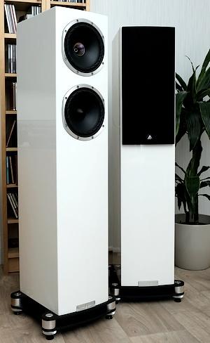 Im Test die High End Koaxial-Standlautsprecher Fyne Audio F501 SP