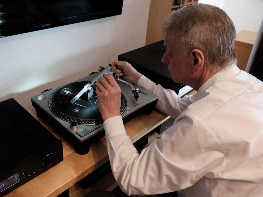 Reiner Pohl montiert den MM-Tonabnehmer Ortofon 2M Bronze