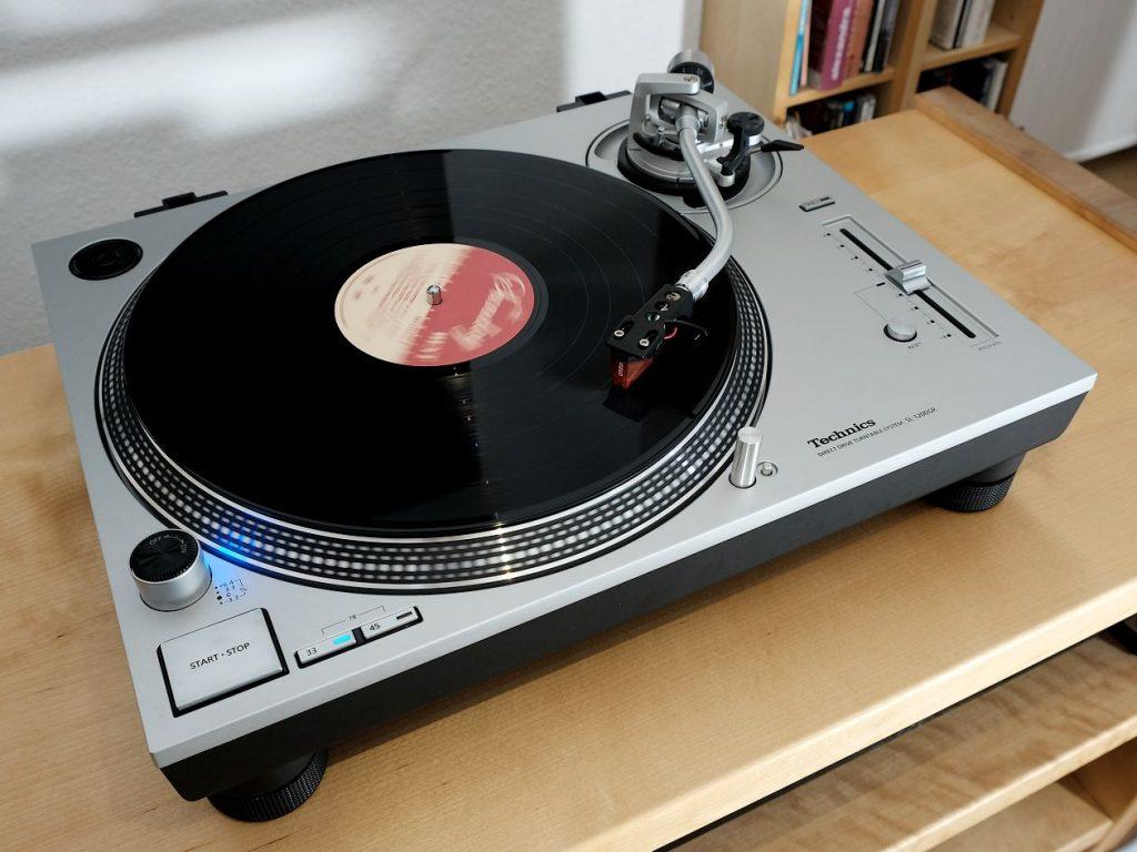 Im Test der Plattenspieler mit Direktantrieb: Technics SL-1200GR / SL-1210GR mit Ortofon 2M Bronze
