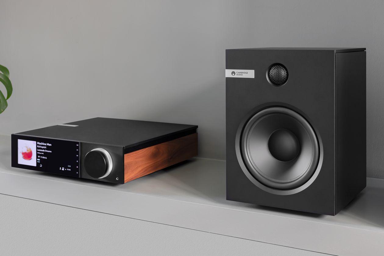 Im Bild der neue All-In-One Streaming-Verstärker Cambridge Audio EVO