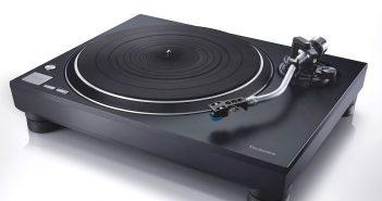 Im Bild der neue Plattenspieler Technics SL100C mit Direktantrieb und MM-System Audio Technica
