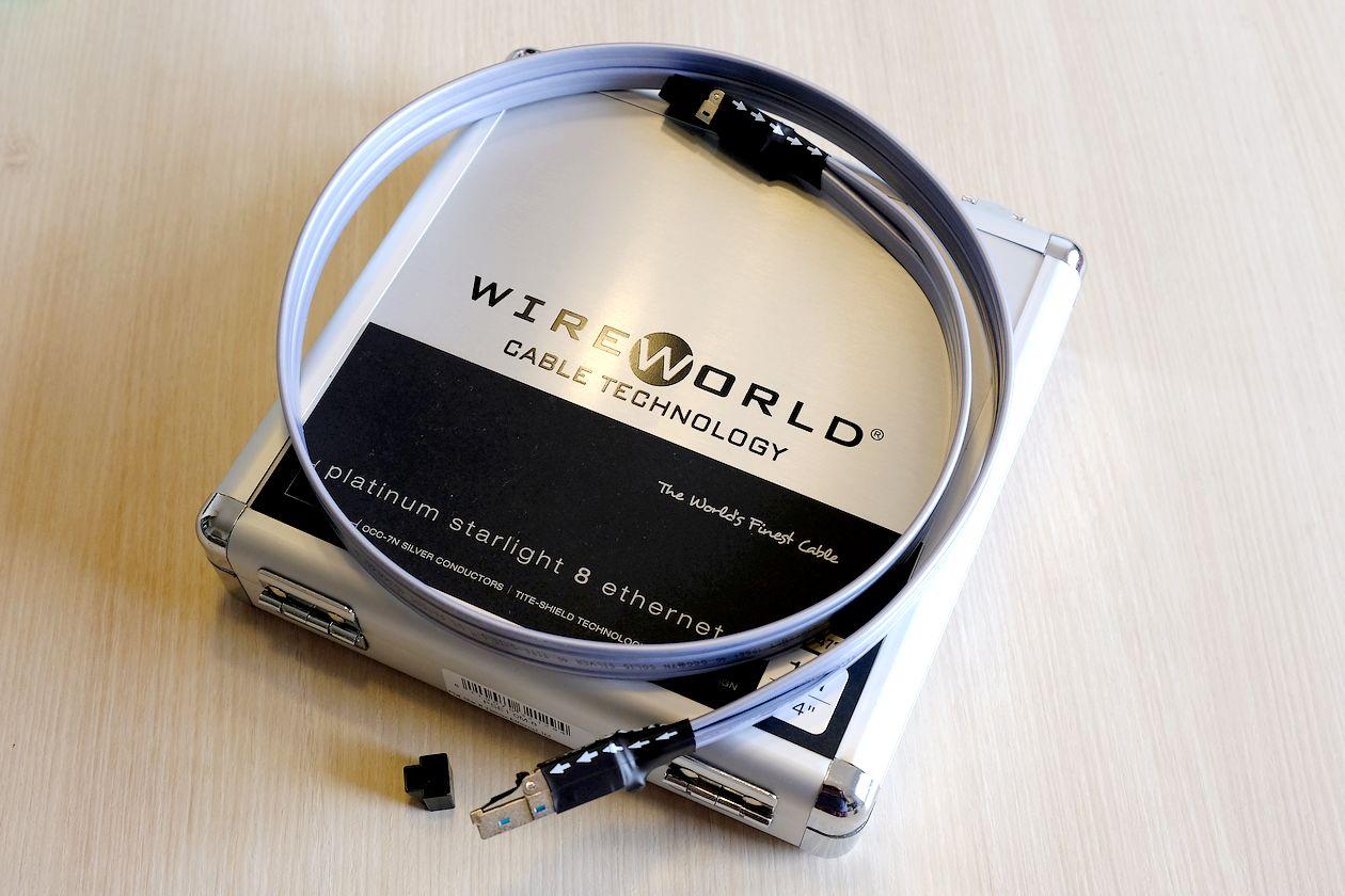 HiFi Cat-8 LAN-Ethernet-Kabel Wireworld Platinum Starlight 8 im Test. Hier im Bild in edler Schatulle.