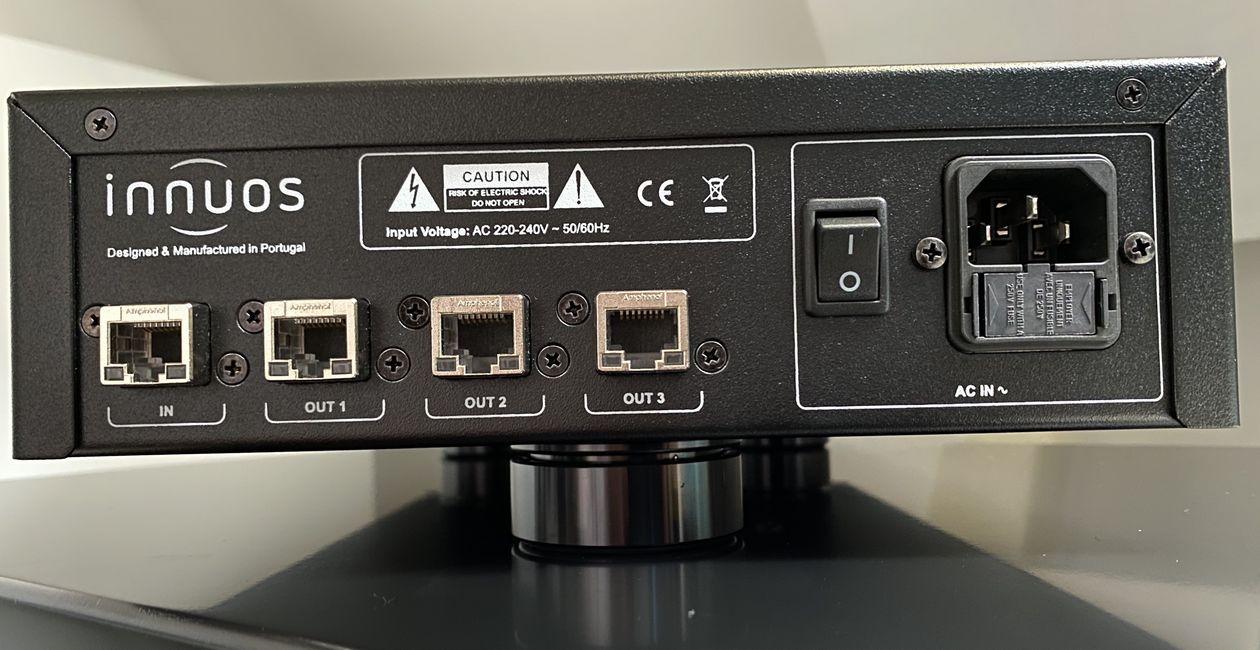 Netzwerk-Anschlüsse am High End Switch Innuos PhoenixNet