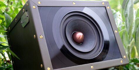 Test: guerilla audio Modell 08/15 – Der erste Lautsprecher von Helmut Hack