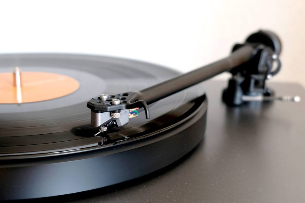 MC-Tonabnehmer des Cambridge Audio Alva TT am Rega RB330