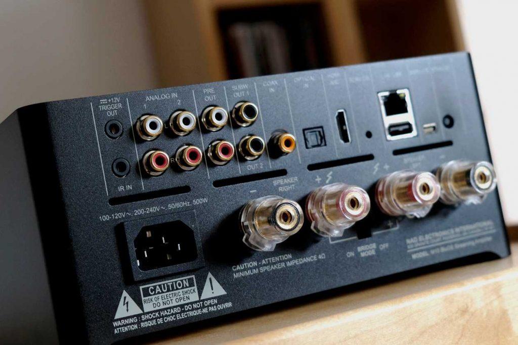 Die Anschlüsse des NAD M10: Coaxial, Toslink, HDMI