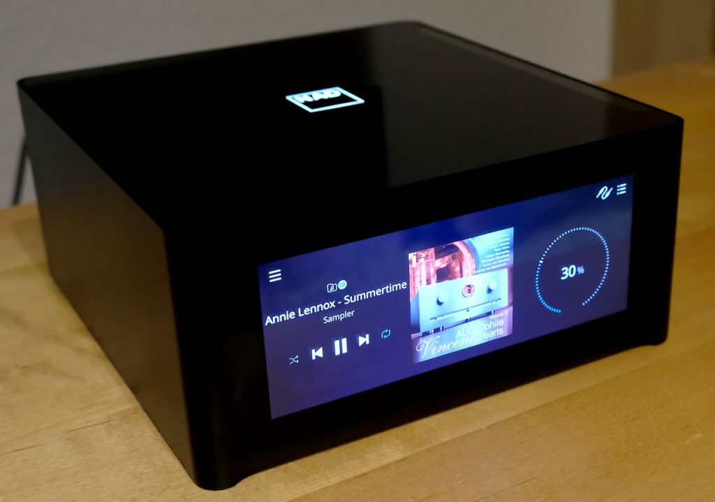 Test des High End Streaming-Verstärker NAD M10