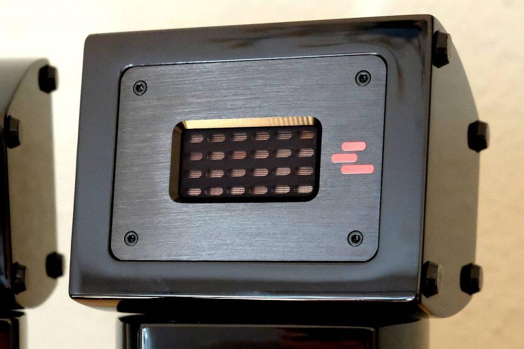 Gummifüsse unter den Super-Hochtönern AperionAudio