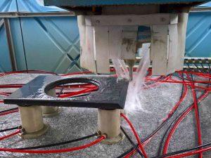 CNC Wasserstrahlarbeiten an der Frontplatte Soundstein Lautsprecher