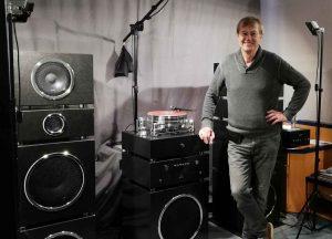 Dr. Vollert mit seinen Soundstein Lautsprechern auf den Norddeutschen HiFi-Tagen in Hamburg