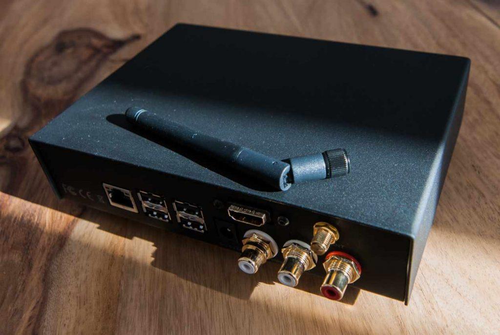 VOLUMIO PRIMO Hifi Edition mit schraubbarer WLAN-Antenne