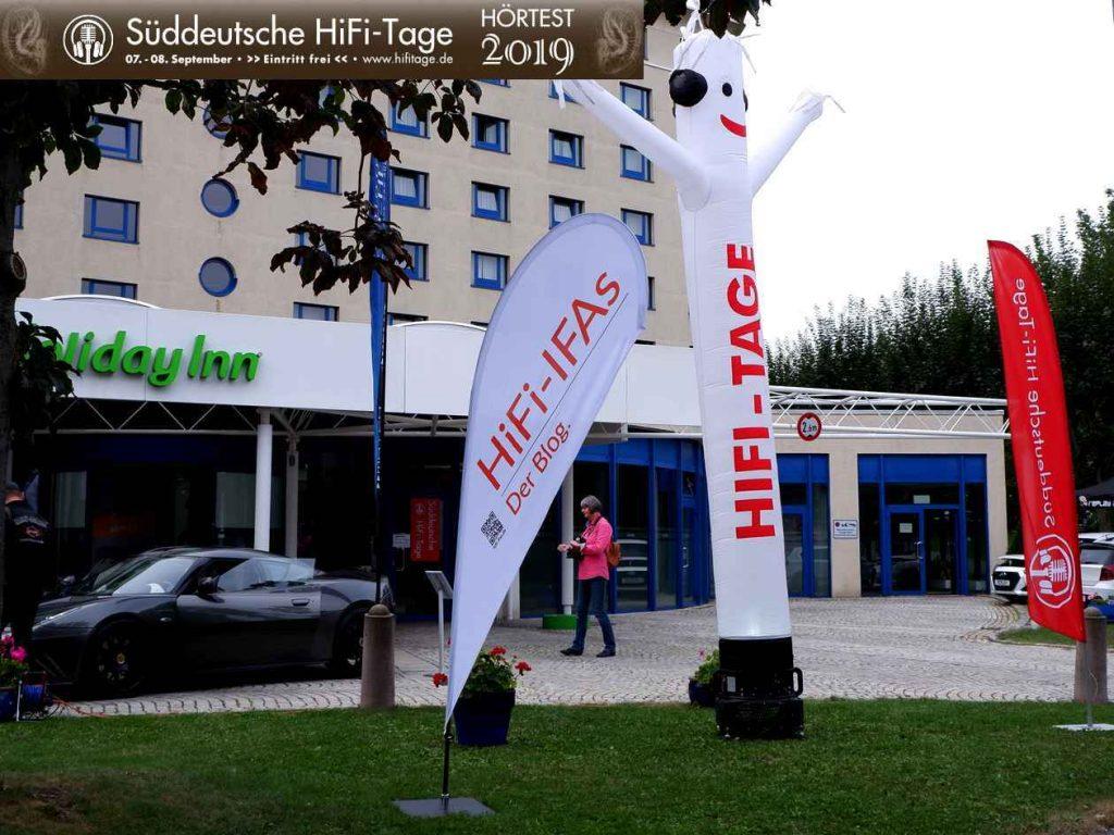 Süddeutsche HiFi-Tage 2019 in Stuttgart: Der Eingang zum Holiday Inn