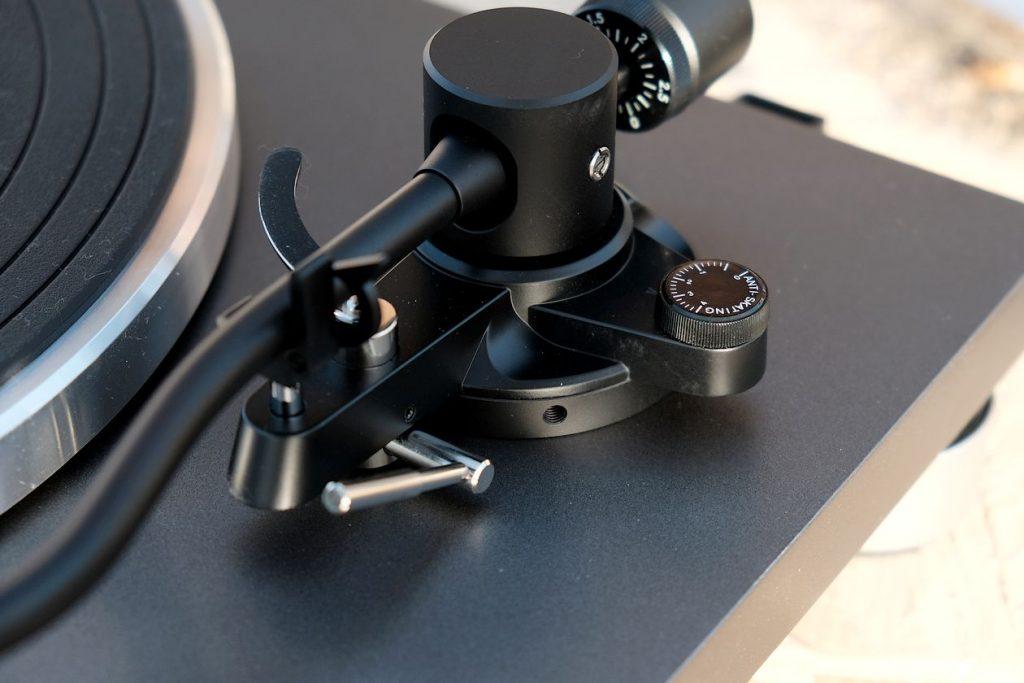 Die Tonarm-Höhenverstellung und das Antiskating am Sonoro Platinum