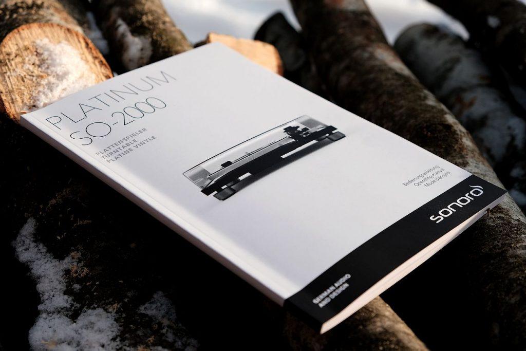 Im Bild die Bedienungsanleitung des neuen Plattenspieler Platinum Sonor