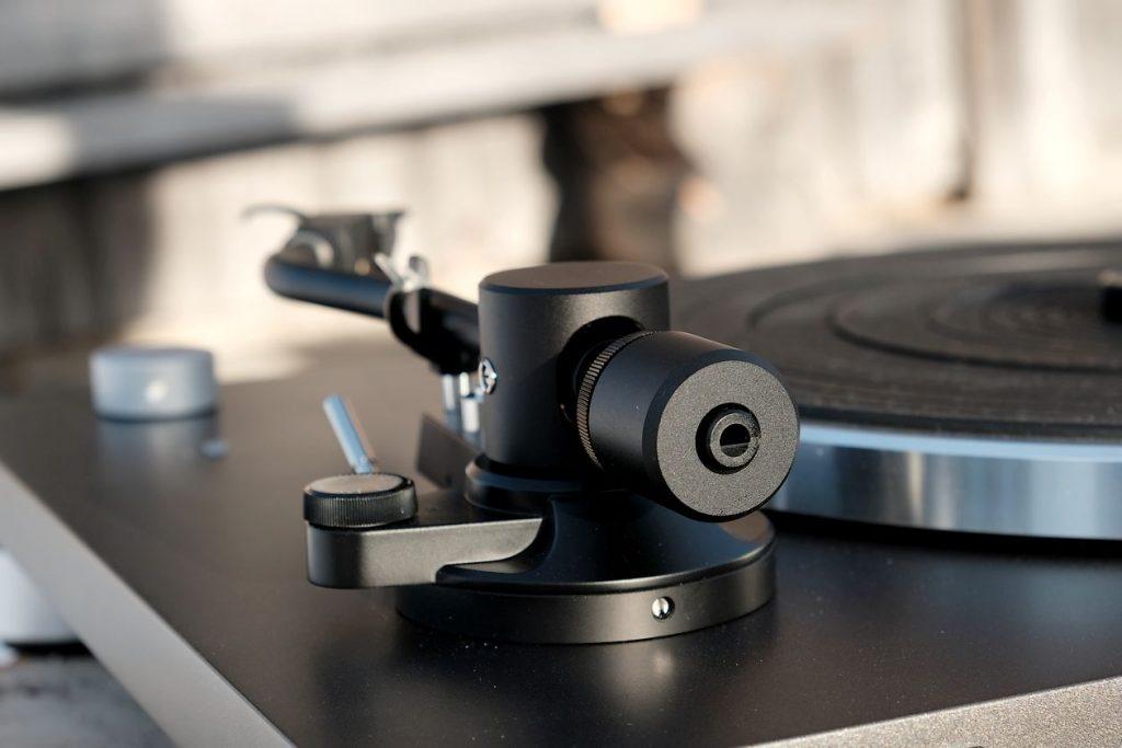 Gegengewicht am Tonarm des Plattenspieler Sonoro Platinum