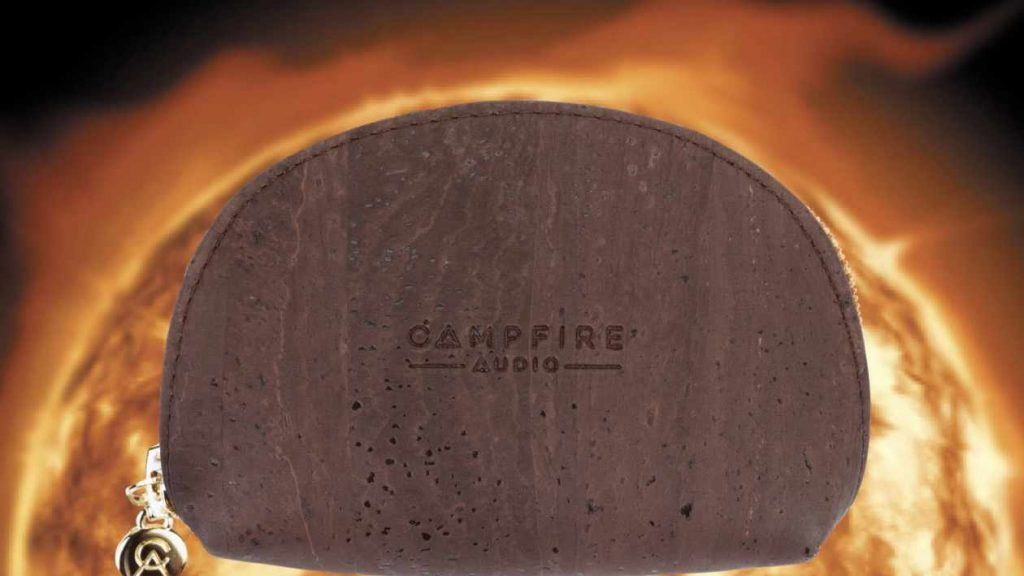 Campfire Softcase vor der Sonne