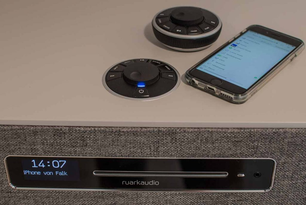 Ruark Audio R5 mit seinen drei Nutzer-Interfaces