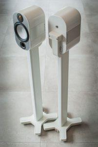 Monitor-Audio-Apex-A10-mit-Stativ-6