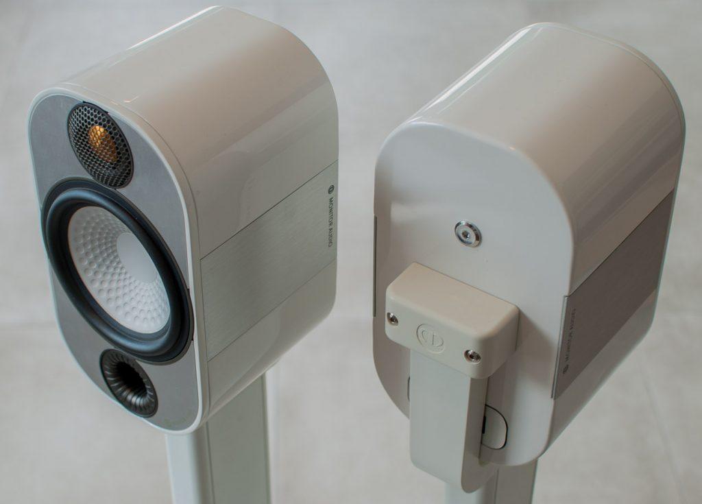 Monitor-Audio-Apex-A10-mit-Stativ-7