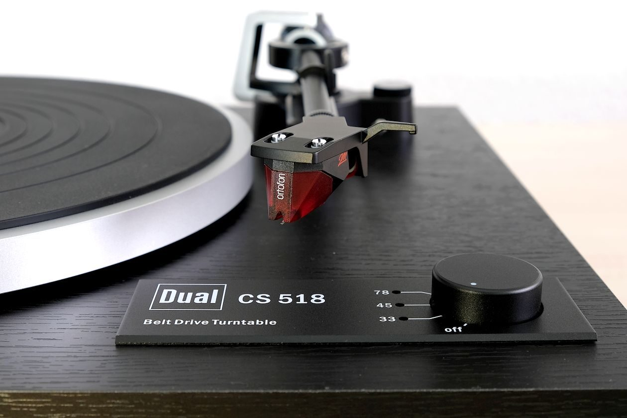 MM-Tonabnehmer Ortofon 2M Red am Plattenspieler Dual CS 518.