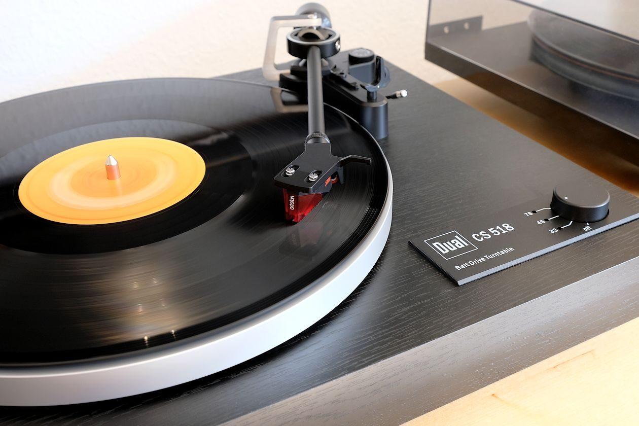 Test des Plattenspieler mit Riemenantrieb: Dual CS 518 mit Tonabnehmer Ortofon 2M Red.